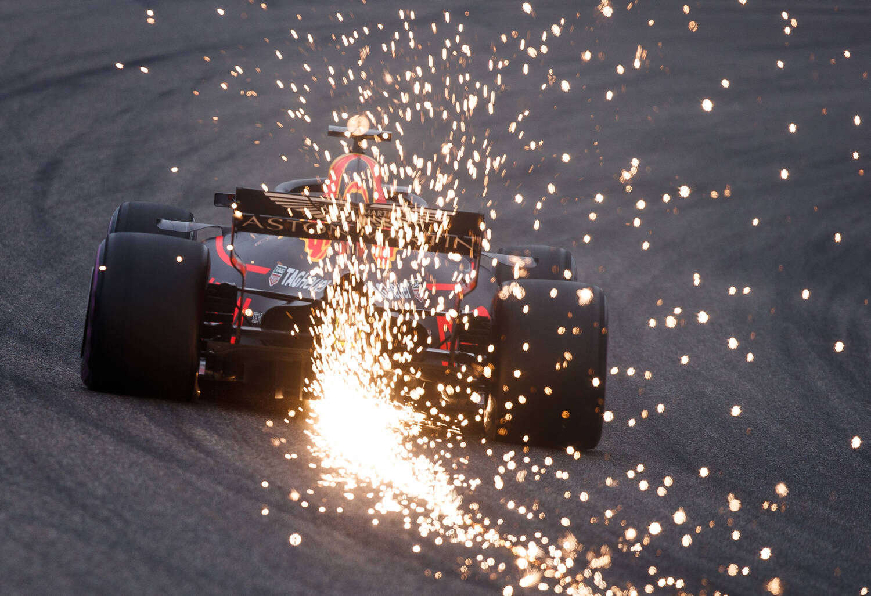 F1, GP Cina 2018: tra i due litiganti, Ricciardo gode