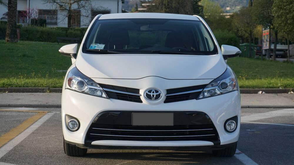 Toyota Verso 1.6 Active 7 posti del 2014 usata a Montecatini-Terme (3)