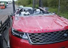 Range Rover Velar cabrio. Quasi. Ecco il risultato dopo un incidente