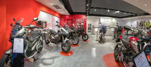 Moto Perego, dopo 34 anni diventa concessionaria esclusiva Honda per la provincia di Lecco (5)