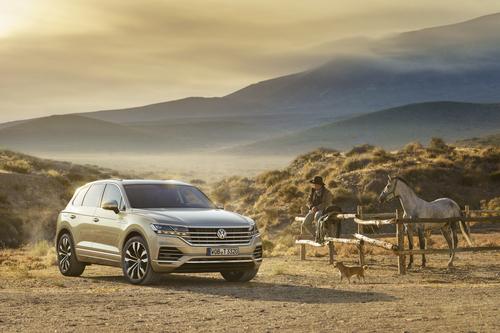 Volkswagen Touareg, i prezzi: si parte da 65.500 euro (3)