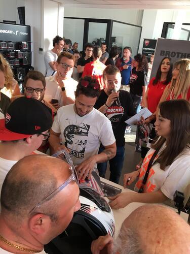 Suomy e Dovizioso da Ducati Brothers Moto Ancona (5)