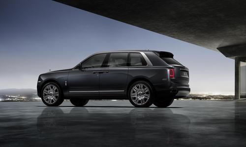 Rolls-Royce Cullinan, ecco il primo SUV della casa britannica (9)