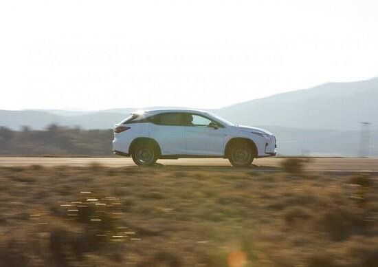 Lexus RX L. Ogni millimetro conta