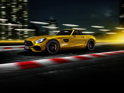 Mercedes AMG GT S Roadster, la via di mezzo