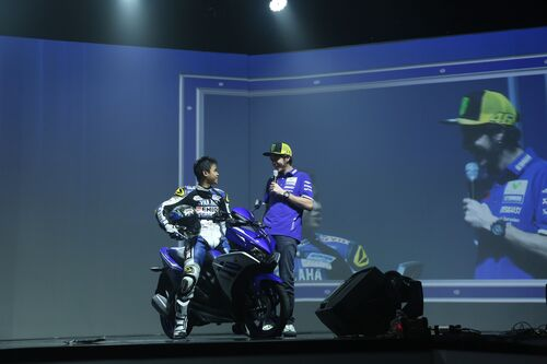 Valentino Rossi in tour in Indonesia (4)