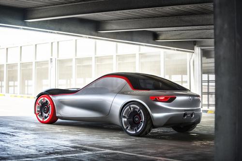 Opel GT concept: torna la trazione posteriore (4)