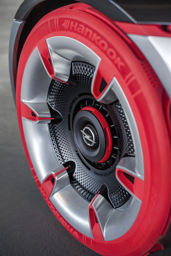 Opel GT concept: torna la trazione posteriore (6)