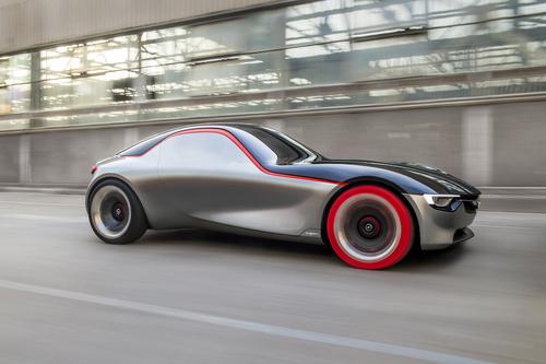 Opel GT concept: torna la trazione posteriore (9)