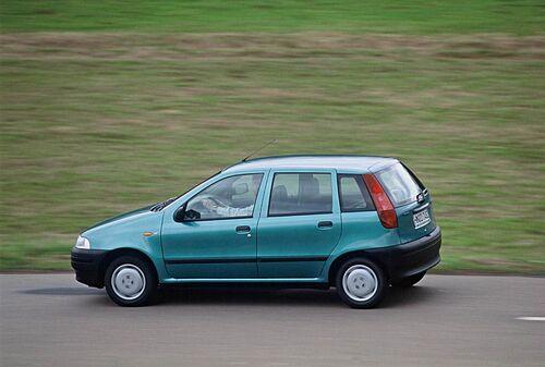 Fiat Punto, dagli anni '90 ad oggi. 25 anni di storia dell'utilitaria torinese
