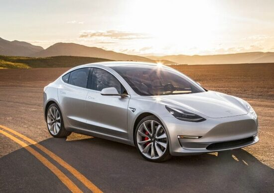 Tesla, arriva la Model 3 da 35.000 Euro e il supercharger V3