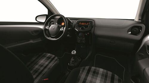 Peugeot 108 2018, aggiornamenti in vista  (6)