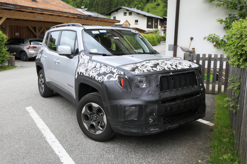 Jeep Renegade restyling, le foto spia (2)
