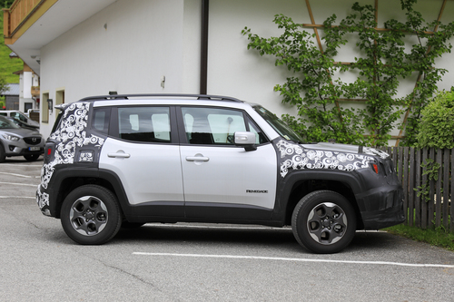 Jeep Renegade restyling, le foto spia (6)