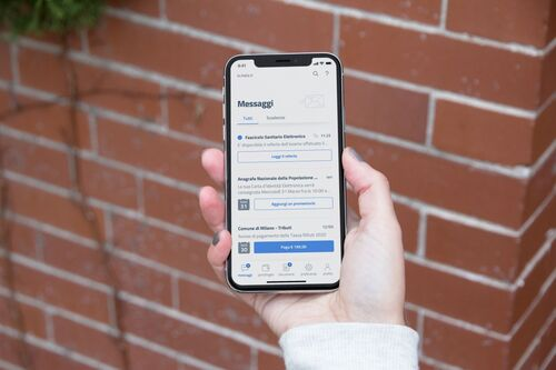 Multe e bollo si pagheranno con IO, l'app smartphone per tutti i servizi pubblici