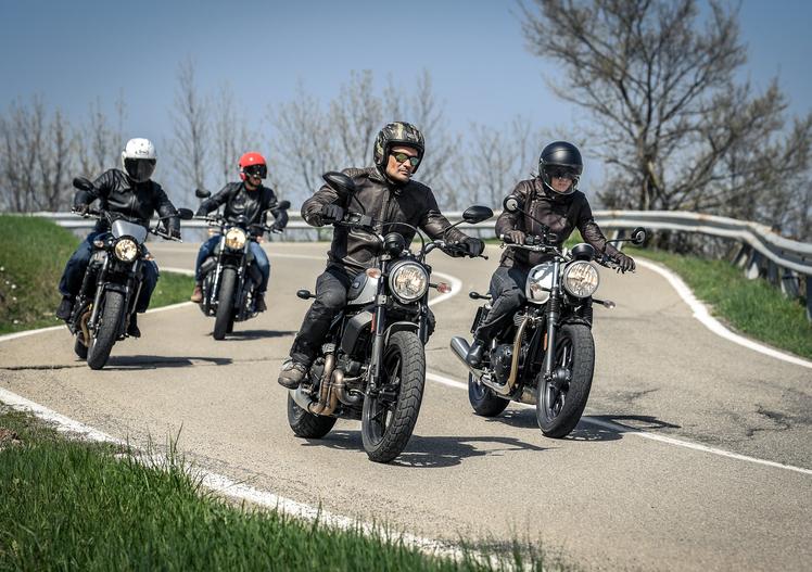 Sfida tra classiche: Ducati Scrambler, Moto Guzzi V7, Triumph Bonneville, Yamaha XSR