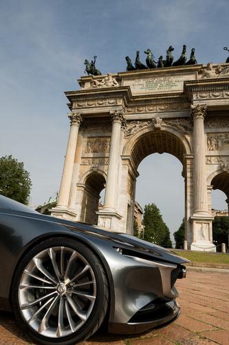 Mazda Vision Coupé a Milano, con il nuovo stile artistico della Casa giapponese [video] (6)