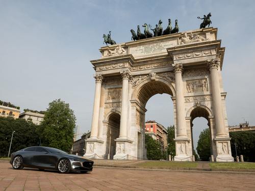Mazda Vision Coupé a Milano, con il nuovo stile artistico della Casa giapponese [video] (9)