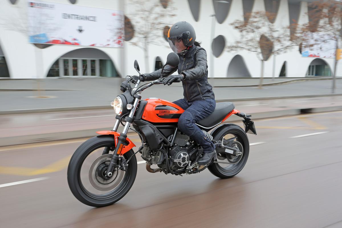 Sissi Moto Crema Usato prova ducati scrambler sixty2 - prove - moto.it