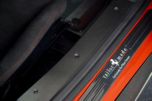 "Ferrari 488 Pista ""Piloti Ferrari"", dedicata a chi corre (5)"