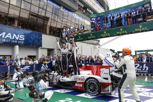 24 Ore di Le Mans, Doppietta Toyota: Alonso Nakajima e Buemi nella storia [video] (3)