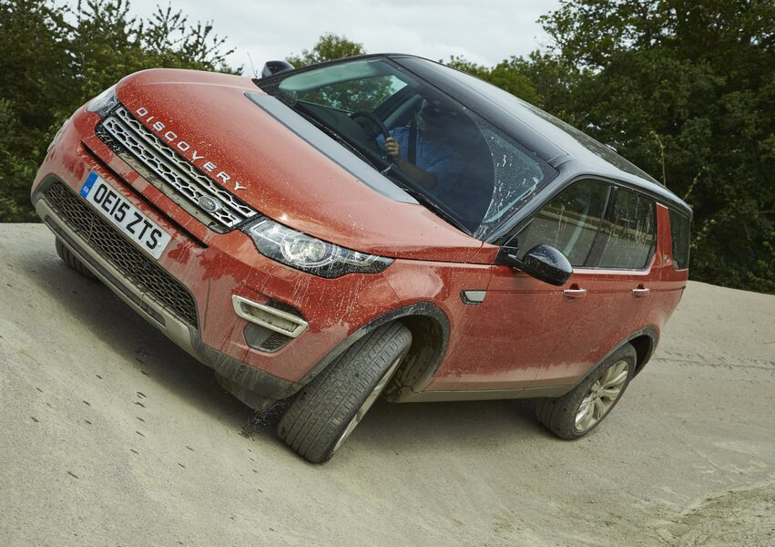 Land Rover Discovery Sport 2.0 Si4 HSE Luxury (5)