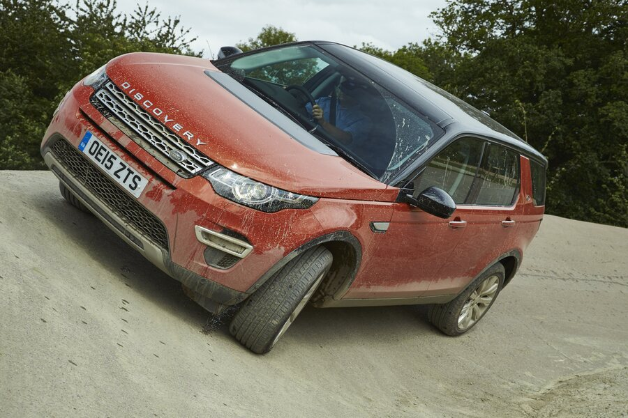 Land Rover Discovery Sport 2.0 Si4 200 CV AWD Auto R-Dynamic HSE (5)