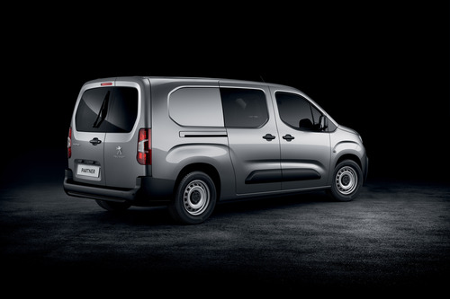 Peugeot Partner, il van francese si rinnova [Foto e dettagli] (5)