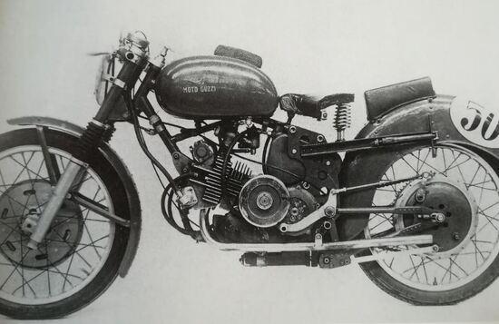 La Moto Guzzi 250 bicilindrica di Tenni