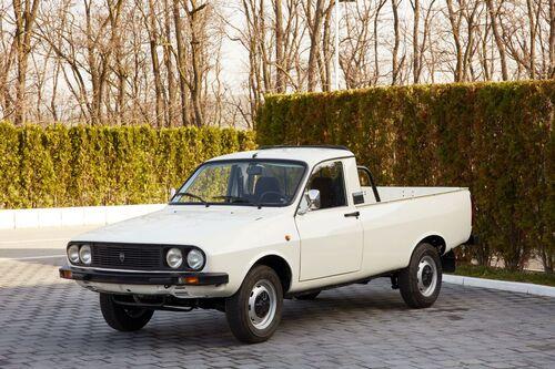 """Dacia e Renault, i primi 50 anni della """"liaison"""" franco-rumena (4)"""