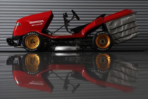 Honda Mean Mower V2, il tosaerba record da 240 km/h  (2)