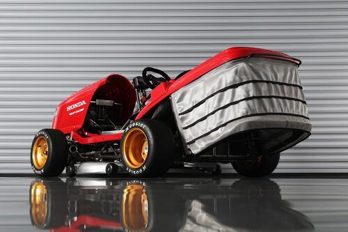 Honda Mean Mower V2, il tosaerba record da 240 km/h  (9)