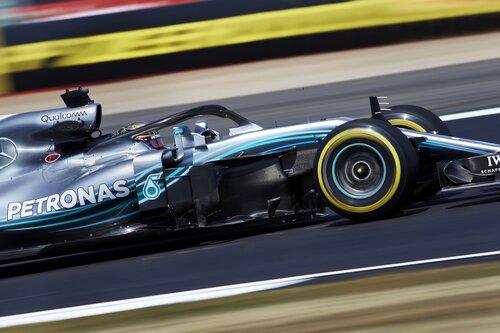 F1, GP Silverstone 2018: pole per Hamilton. Secondo Vettel