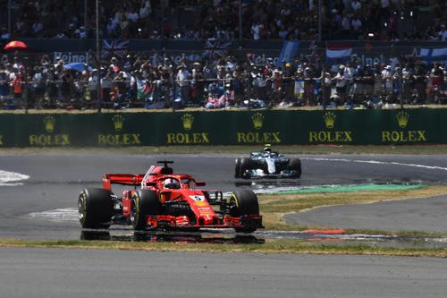 F1, GP Silverstone 2018: Mercedes-Ferrari, volano scintille (2)