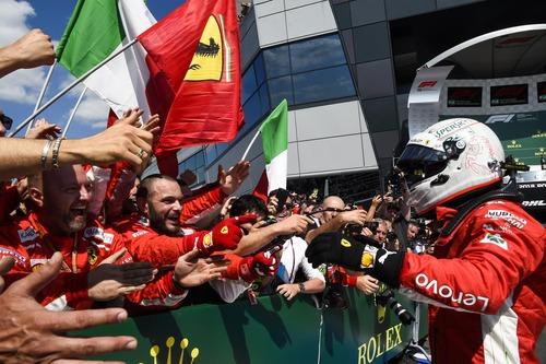 F1, GP Silverstone 2018: Mercedes-Ferrari, volano scintille (9)