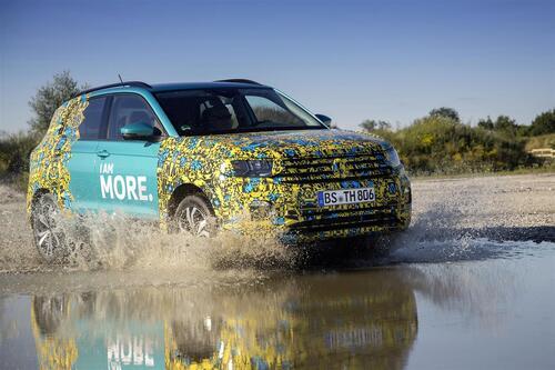 Volkswagen T-Cross, eccola (quasi) svelata (4)