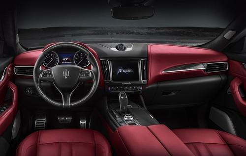 Maserati Levante GTS, il V8 550 CV debutta a Goodwood 2018 (4)