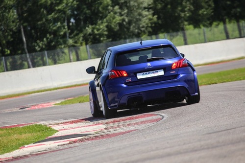 Peugeot 308 by Arduini Corse, racing stradale all'italiana (8)