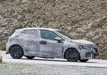 Renault Clio 2019, ripresa nei test su strada [Video]