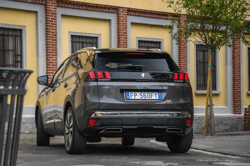 Novità Peugeot 3008, Cambio EAT8 sulle motorizzazioni Euro6.2 (2)