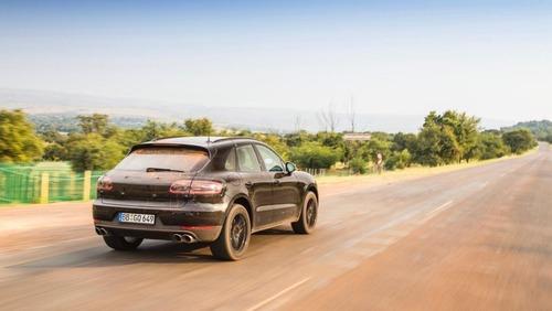 Nuova Porsche Macan 2019: ecco il teaser (2)
