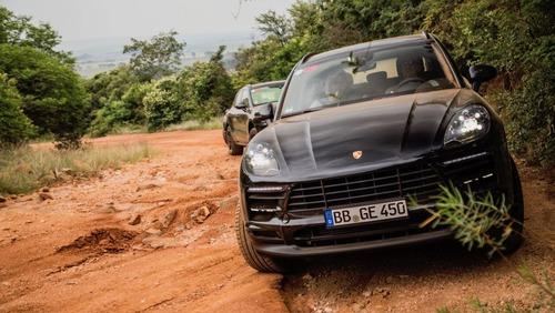 Nuova Porsche Macan 2019: ecco il teaser (8)