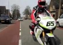 Su strada con la Honda Fireblade del team Ten Kate
