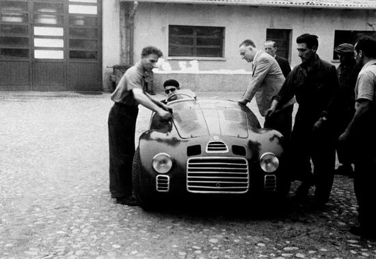 Una delle prime auto a fregiarsi del marchio Ferrari
