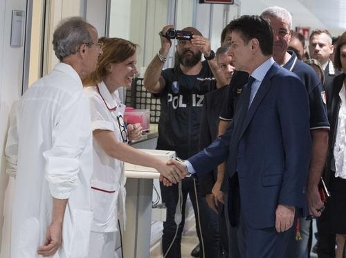 Incidente Bologna, Conte: «Dobbiamo prevenire altre tragedie come questa» (6)