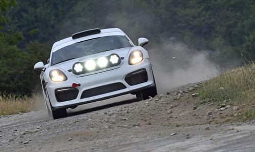 Porsche Cayman GT4 Clubsport Rally Concept, Cayman da rally (6)