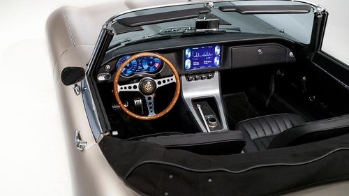 Jaguar, la rinascita elettrica della E-Type. Diventa un modello di serie (2)