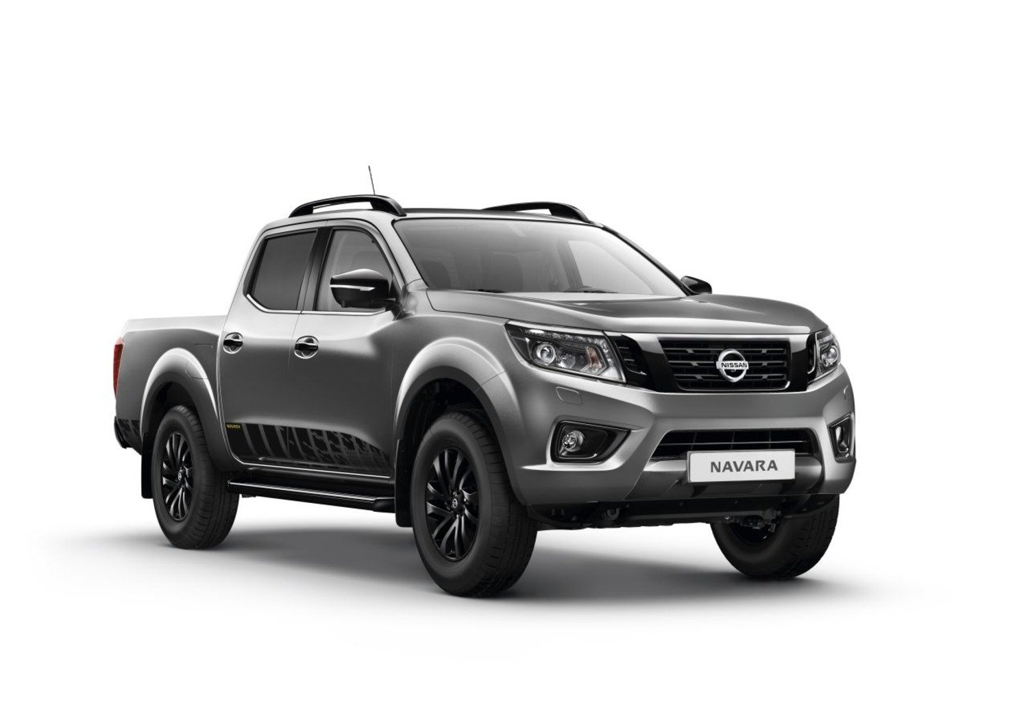nissan navara n guard serie speciale per il pick up. Black Bedroom Furniture Sets. Home Design Ideas