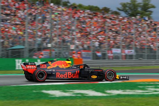Penalità per Verstappen a fine gara