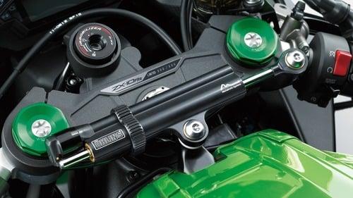 Kawasaki Ninja ZX-10 2019: nuovo motore e più potenza (5)